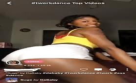 college teen twerking to da baby