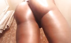 Ebony with fat ass makes it clap for days