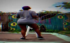 Phat ebony booty twerking outside in public