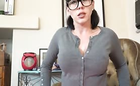 Curvy MILF with glasses gives hot JOI while twerking