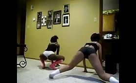 Ebony girls twerking together big asses
